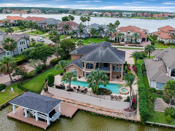 aerial photography for Friendswood, TX waterfront property